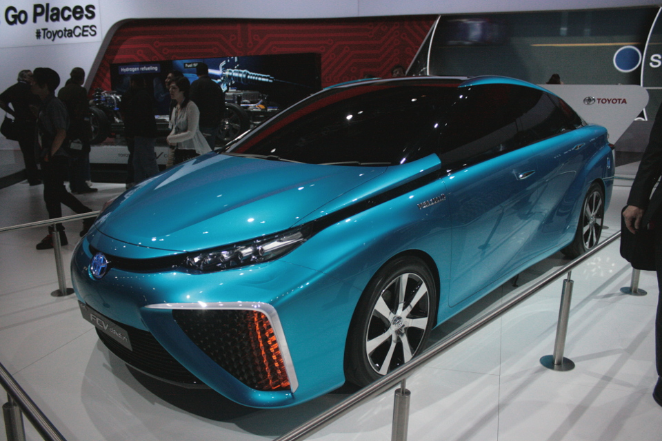 Toyota Fuel Cell Vehicle 2014 CES